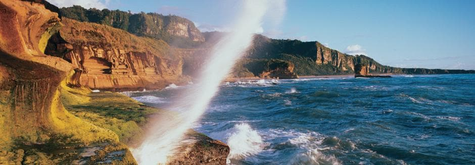 high tide on punakaiki coast