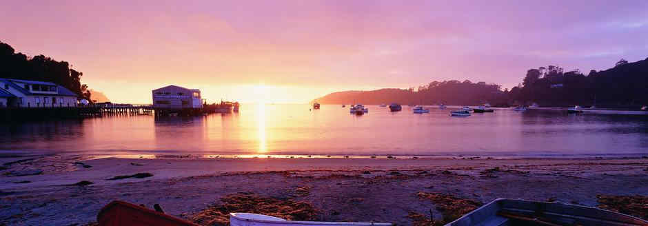sunrise - stewart island with hire caravan