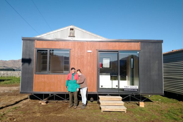 tiny home single bed in Hanmer
